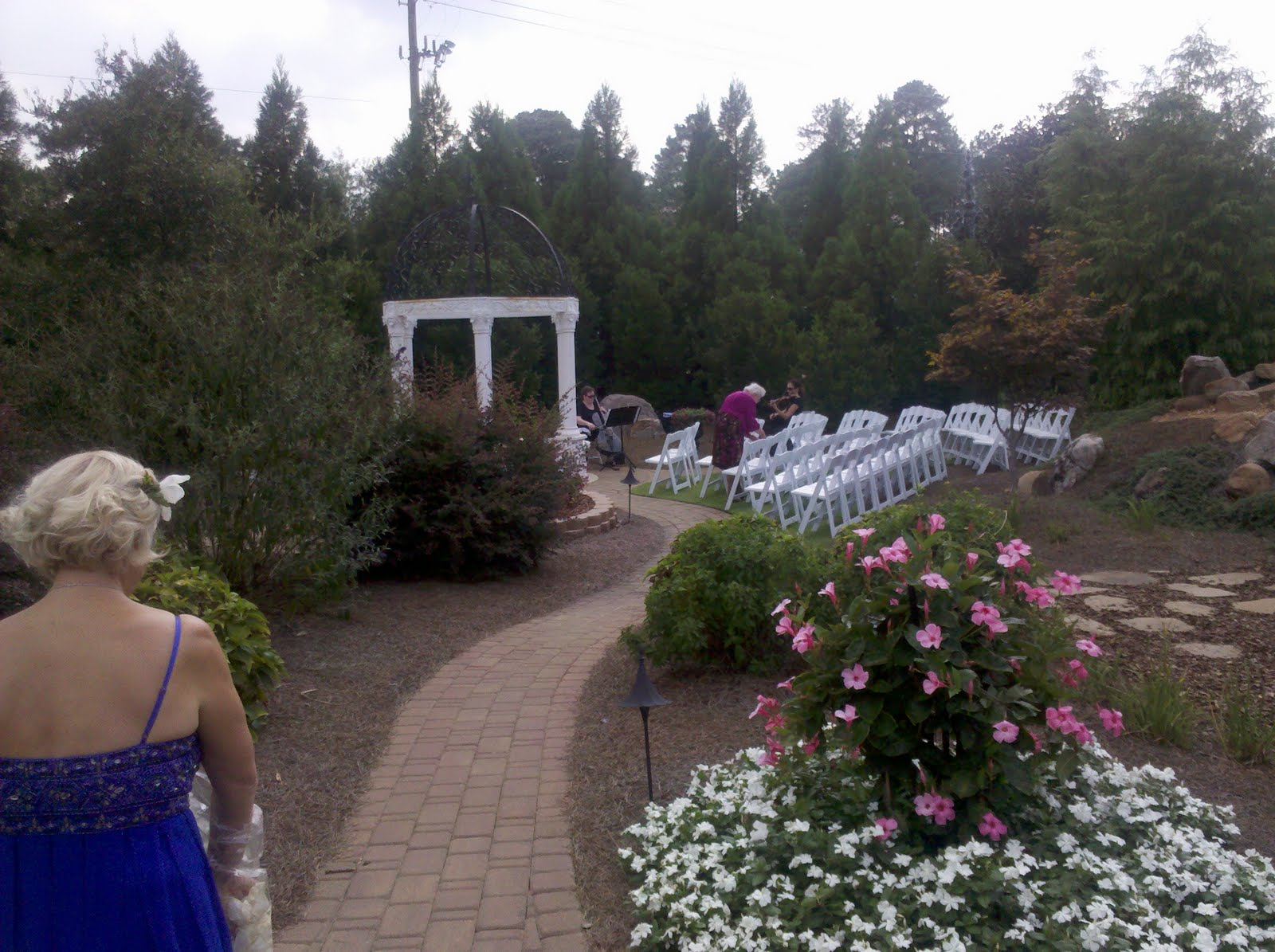 Nc triangle weddings blog errol and ksenia hall and gardens at landmark in garner for The hall and gardens at landmark