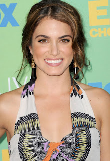 100 diamonds in Nikki Reed's wedding dress