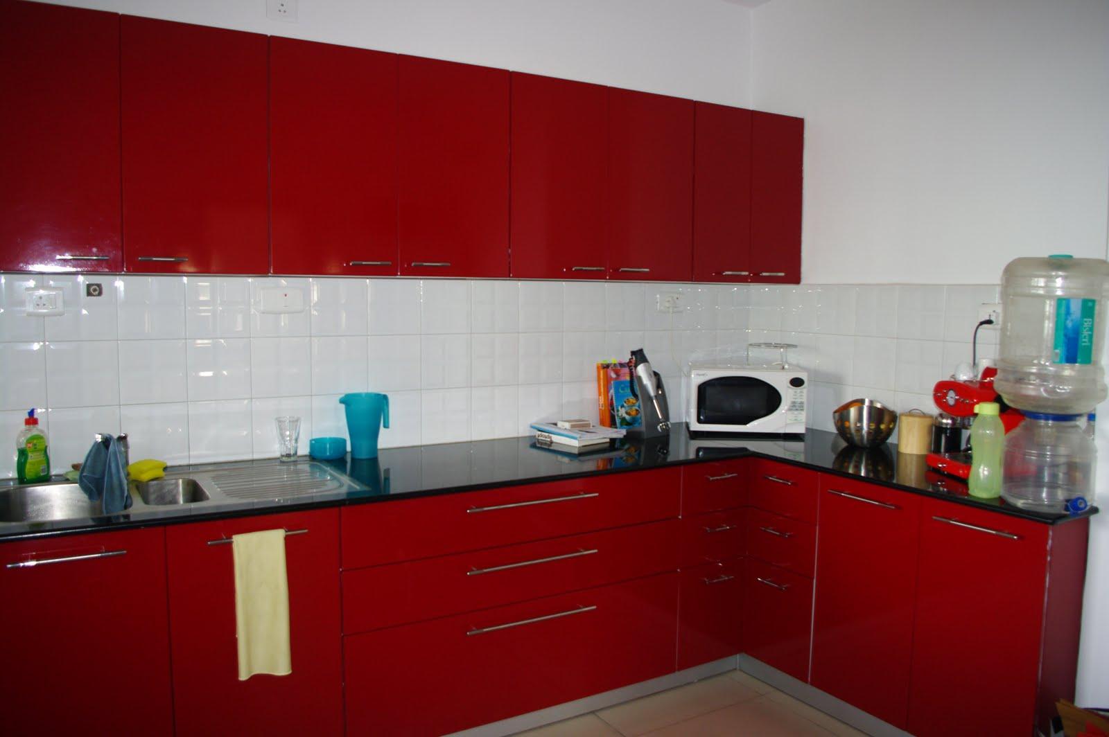 Rote Küche  Hausgestaltung Ideen