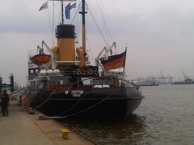 Schlepper Stettin im Hamburger Hafen