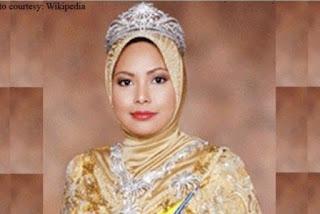 Foto Sultanah Nur ZAhirah Permaisuri Malaysia Wanita Muslim Cantik Terkaya di Dunia