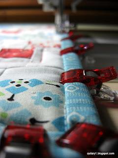 Clover binding clips