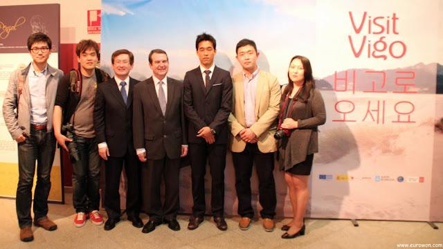 Park Chu-young con periodistas y blogueros coreanos