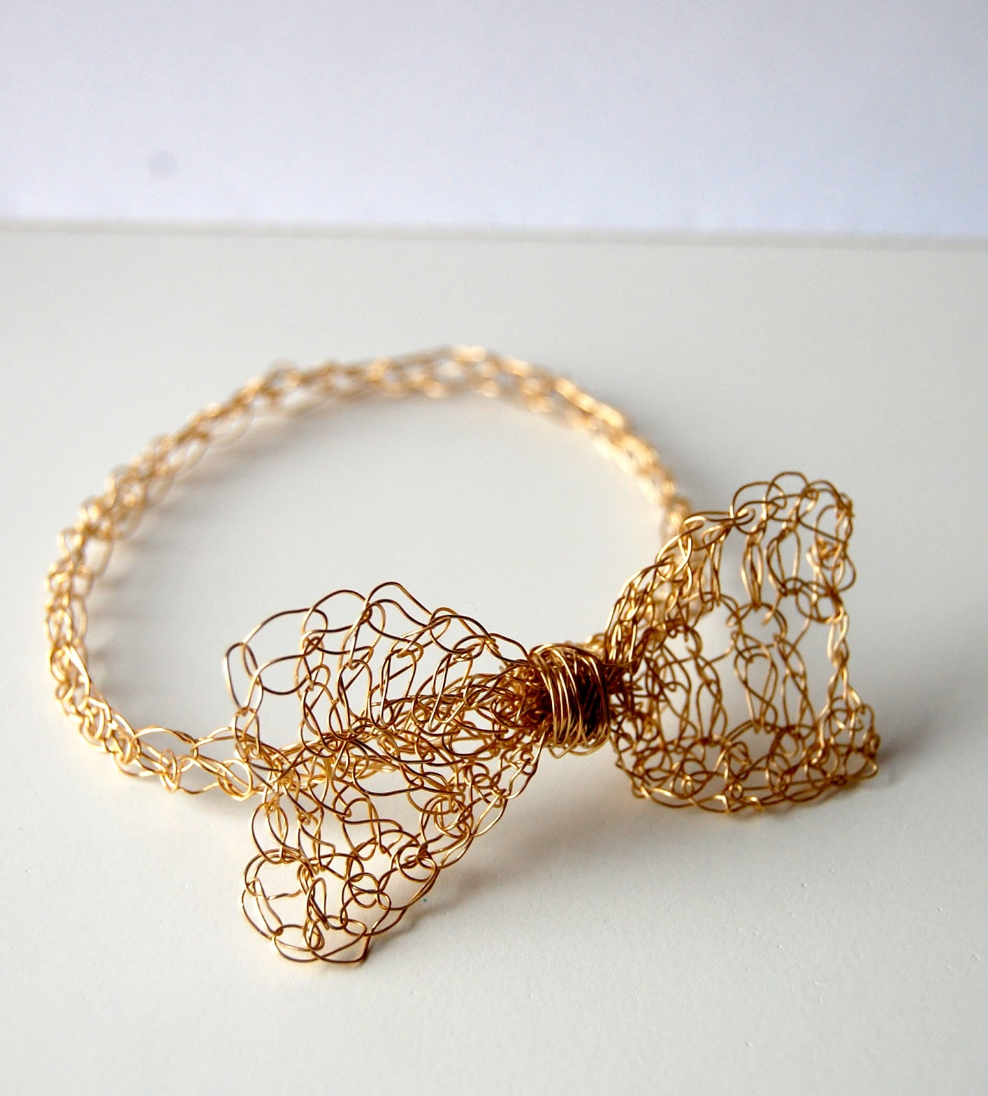 Crocheting Bracelets : SellzCuteThings: Easy Gold Crochet Bow Bracelet
