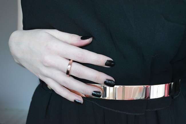 & other stories rose gold chain ring matching belt