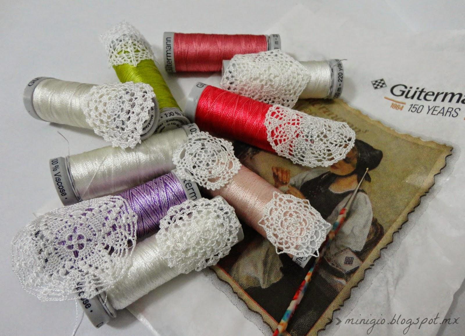 miniature crochet, dollhouse miniatures, scale 1:12