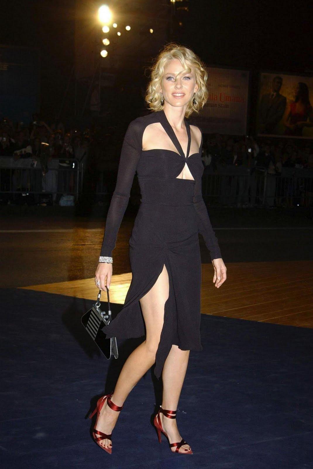 http://2.bp.blogspot.com/-yqda2ngawXE/TcuC2kpxWJI/AAAAAAAAEEw/4zuyBBvPtSE/s1600/Naomi-Watts-Feet-285998.jpg