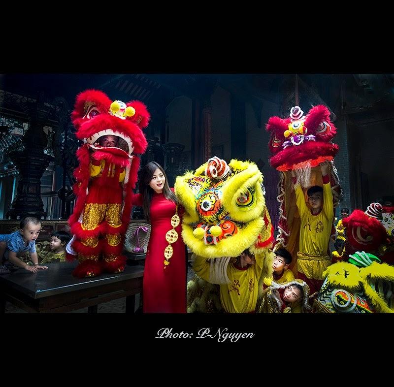 Hotgirl Châu Dương đi lễ chùa đầu năm 15