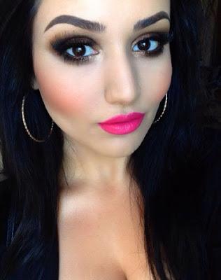 batom pink olho preto