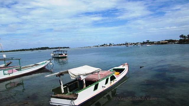Kapal-kapal di pelabuhan Karimunjawa