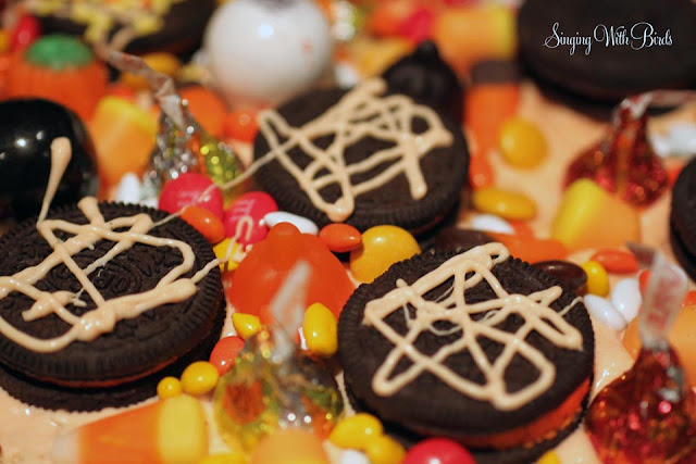 Krispy Halloween Pizza  @singingwithbirds.com