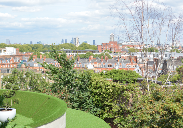 Kensington roof gardens, Balcony view, Review