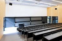11-Lecture-Hall-by-Deubzer-König-Rimmel-Architekten