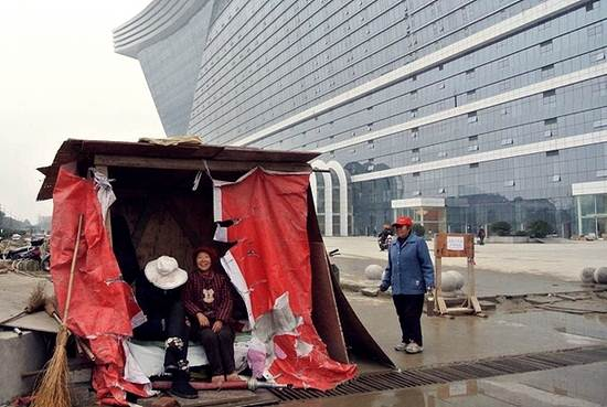 pekerja-pembinaan-negara-china