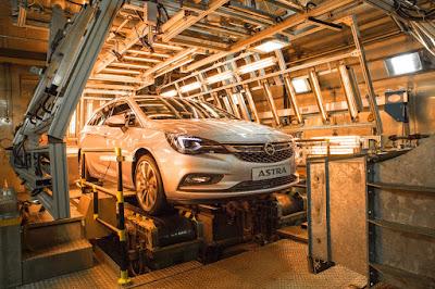 Το Νέο Opel Astra Sports Tourer δοκιμάζεται στον Κλιματικό Θάλαμο  -  Δοκιμασίες αντοχής για το Astra station wagon σε θερμοκρασίες από -40 έως +60 C°