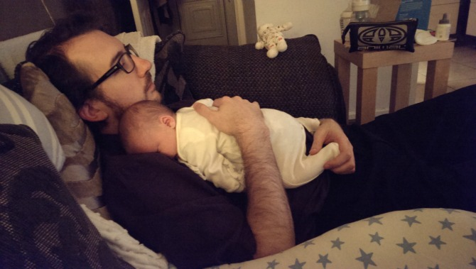 Sleepy baby daddy cwtches