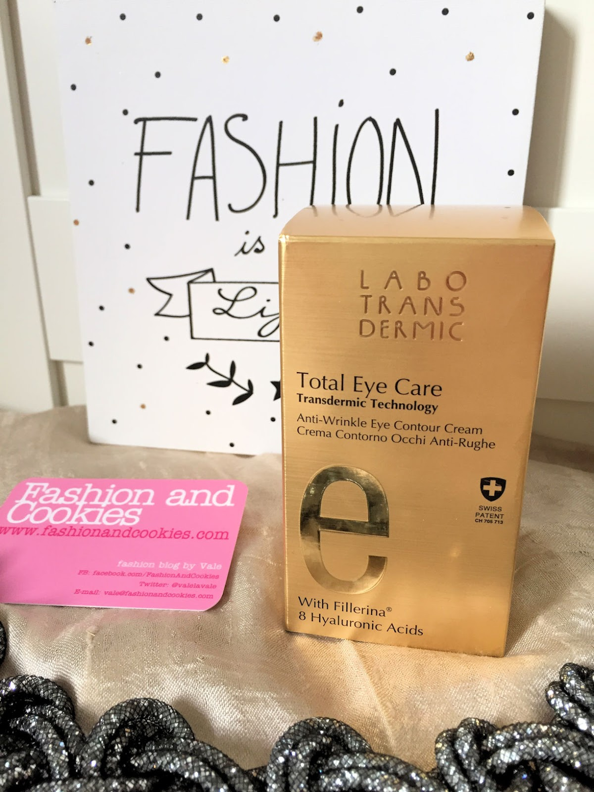 Eye contour anti wrinkle cream from Labo Suisse review on Fashion and Cookies beauty blog, beauty blogger