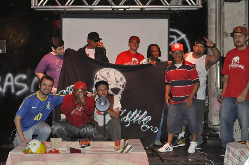 Hip Hop, MPB e Drummond no Porão XI de Agosto na SanFran