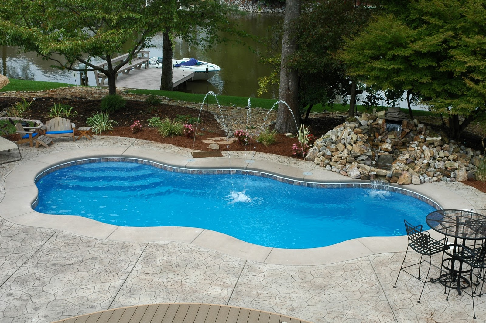 The pool guyz fiberglass swimming pools - Swimming pools for small backyards ...