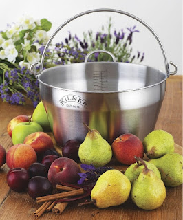 http://millyskitchen.co.nz/cooks-tools/preserving/pans/social-cooler-picnic-bag-3551.html