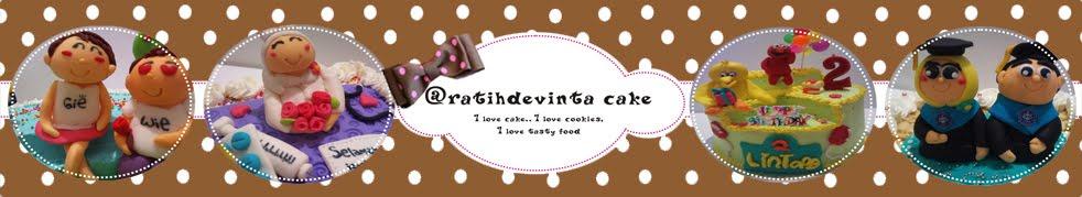 @ratihdevinta cake