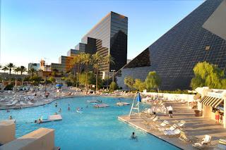 Image de la piscine de l'Hôtel Luxor Las Vegas