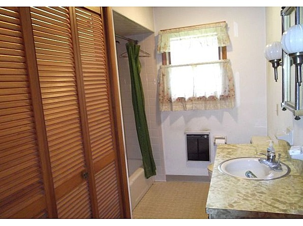 wapwallopen mature singles Vacation rental in wapwallopen  the cottage is fully furnished with a queen-sized bed in the bedroom and single  our preference is for families or mature.