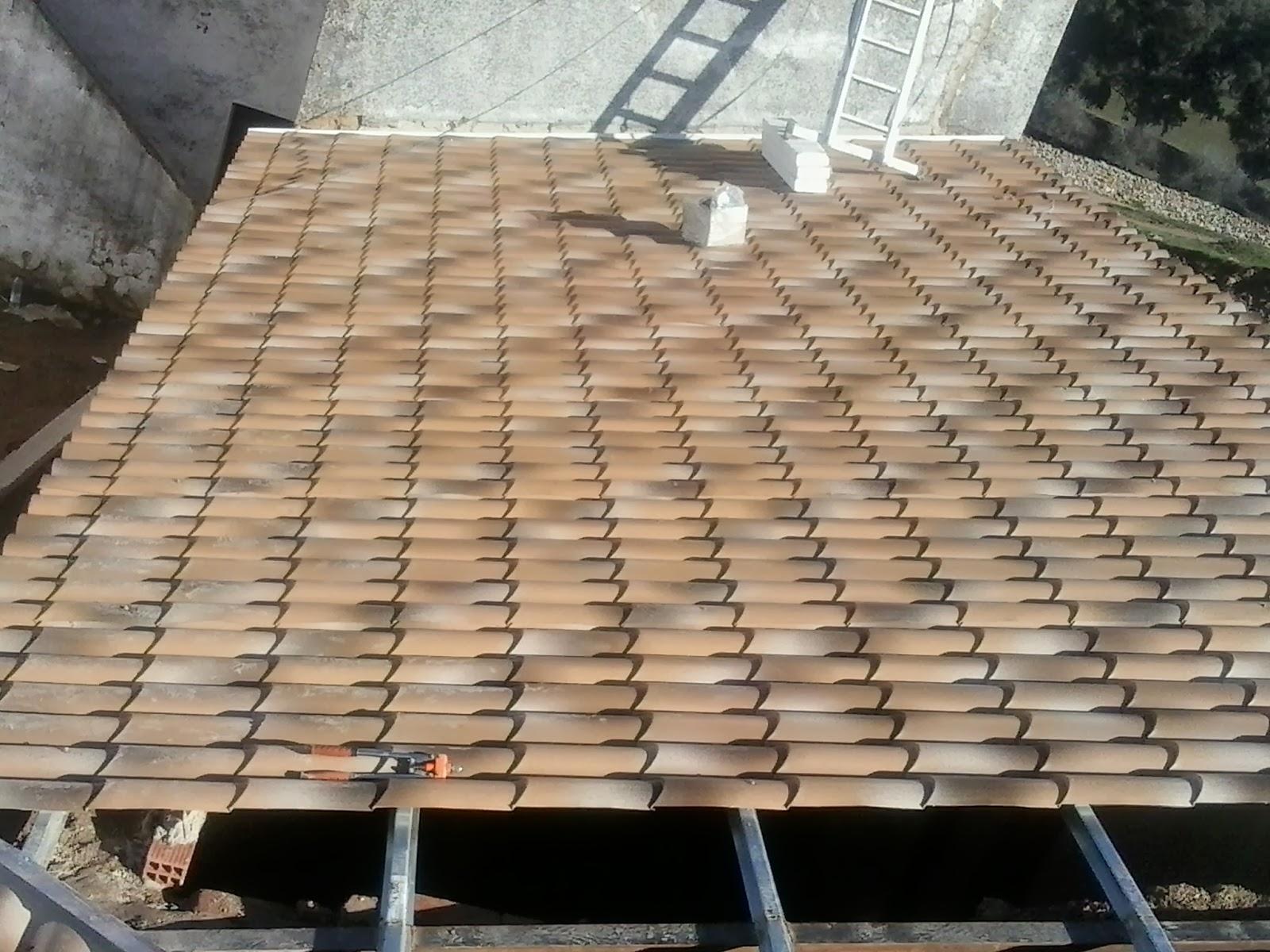 Medidas y disponibilidad paneles tipo teja instaladores for Tejados de madera antiguos
