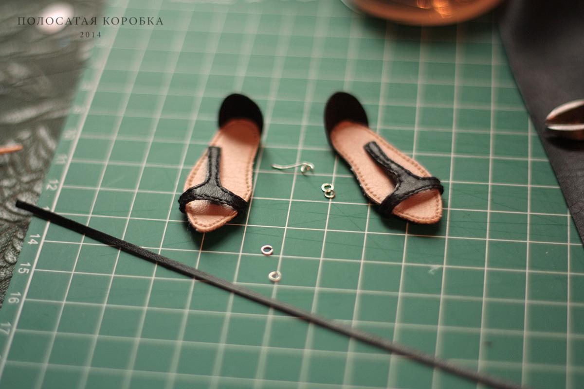 Миниатюрная обувь сандалии