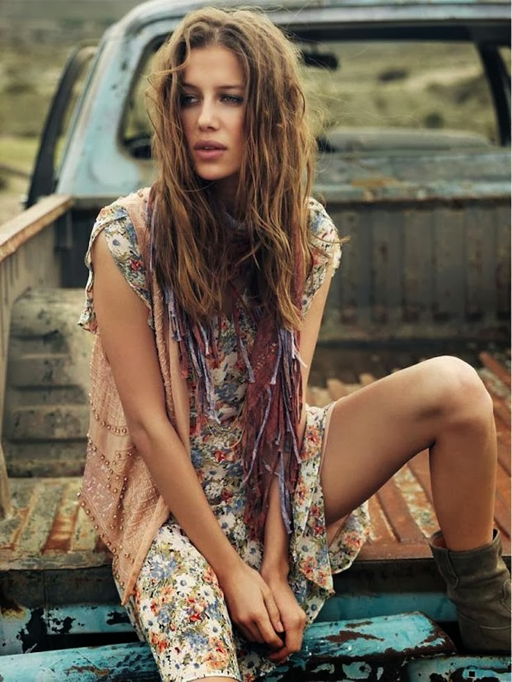 Lisapriceinc Hippie Mondays