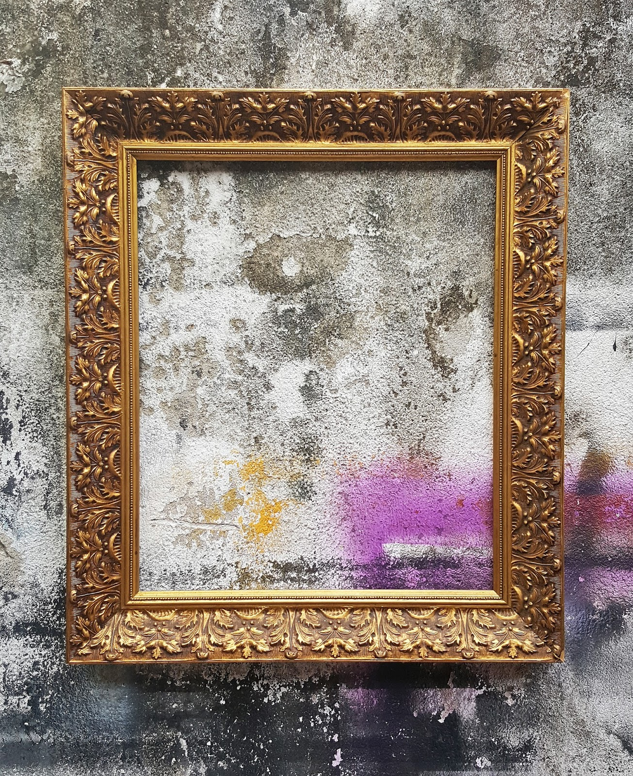 Frame shop in Kuala Lumpur - Talens Frames Gallery: Old frames ...