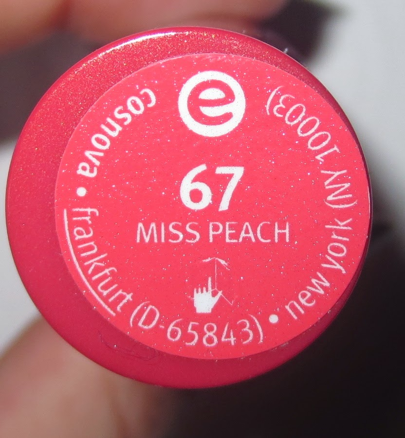 essence lipstick in 67 miss peach Label