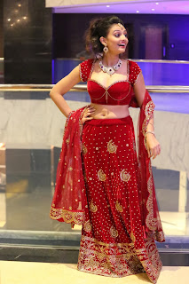 Actress Nikitha Narayan Latest  Pictures in Designer Dress at Fashionology Fashion Show 2013  0052.jpg