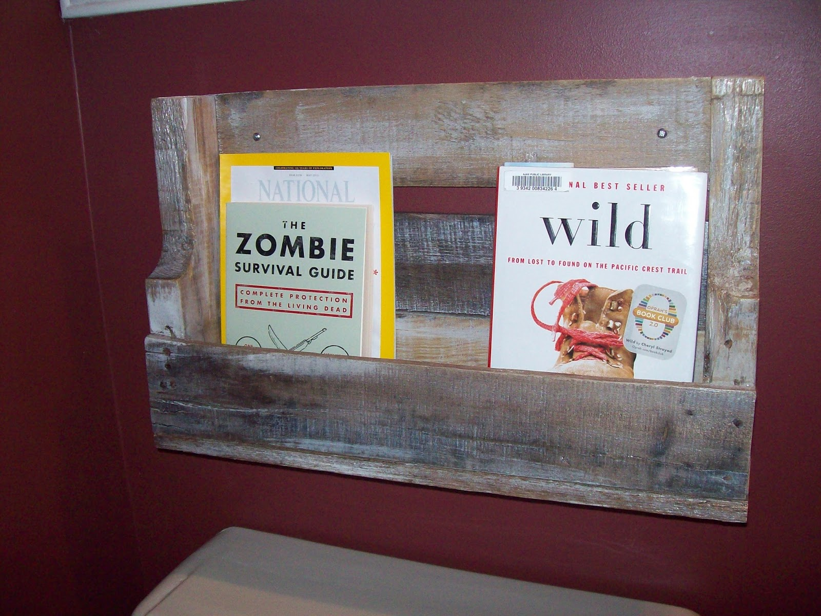My Primal Adventures: DIY Pallet Love Project #2The Bookshelf 1600 x 1200