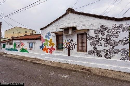 Unik dinding rumah di perkampungan ini berubah menjadi for Mural untuk kanak kanak