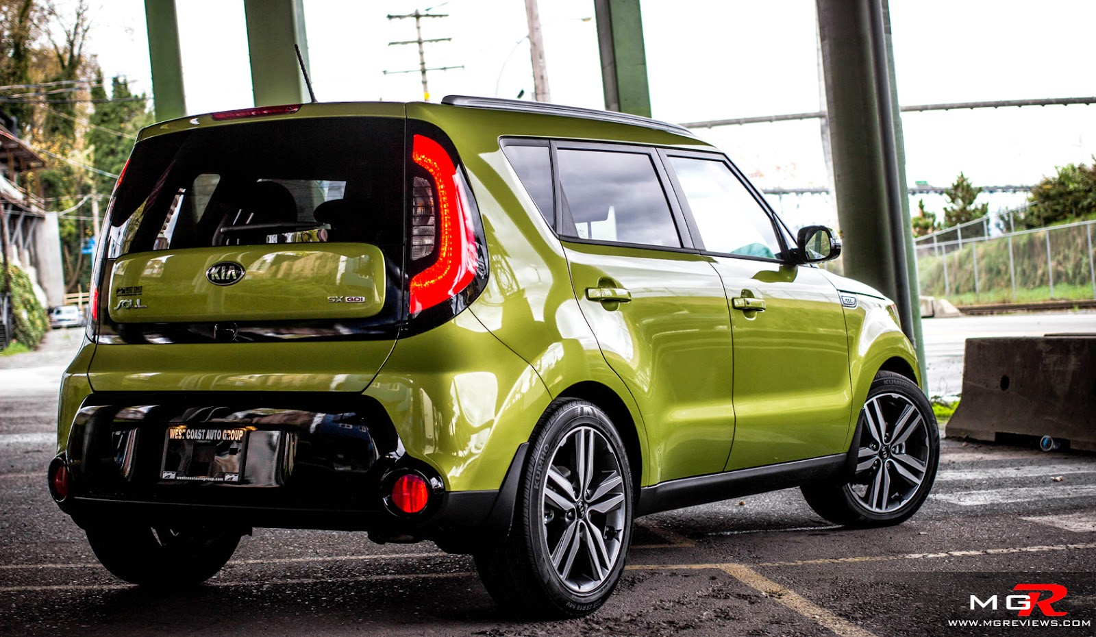 2015 kia soul exclaim alien green reviewhigh definition pics that is one heck of a wax job for sure this kia soul is ready for anything enjoy sciox Choice Image
