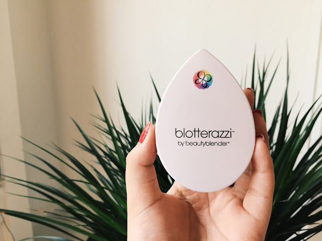 This image is a review of the Blotterazzi by Beautyblender