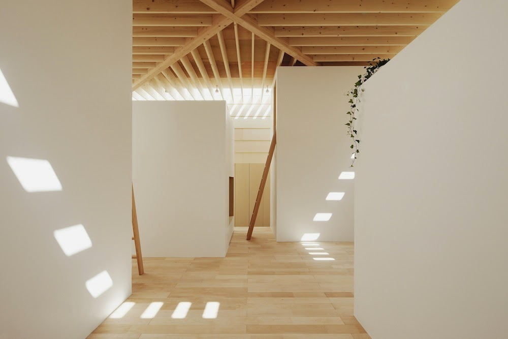Simplicity love light walls house japan ma style for Japanese minimalist house design
