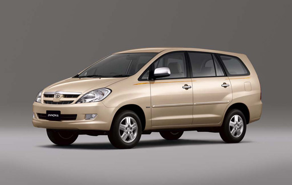 Toyota Innova Car Wallpaper