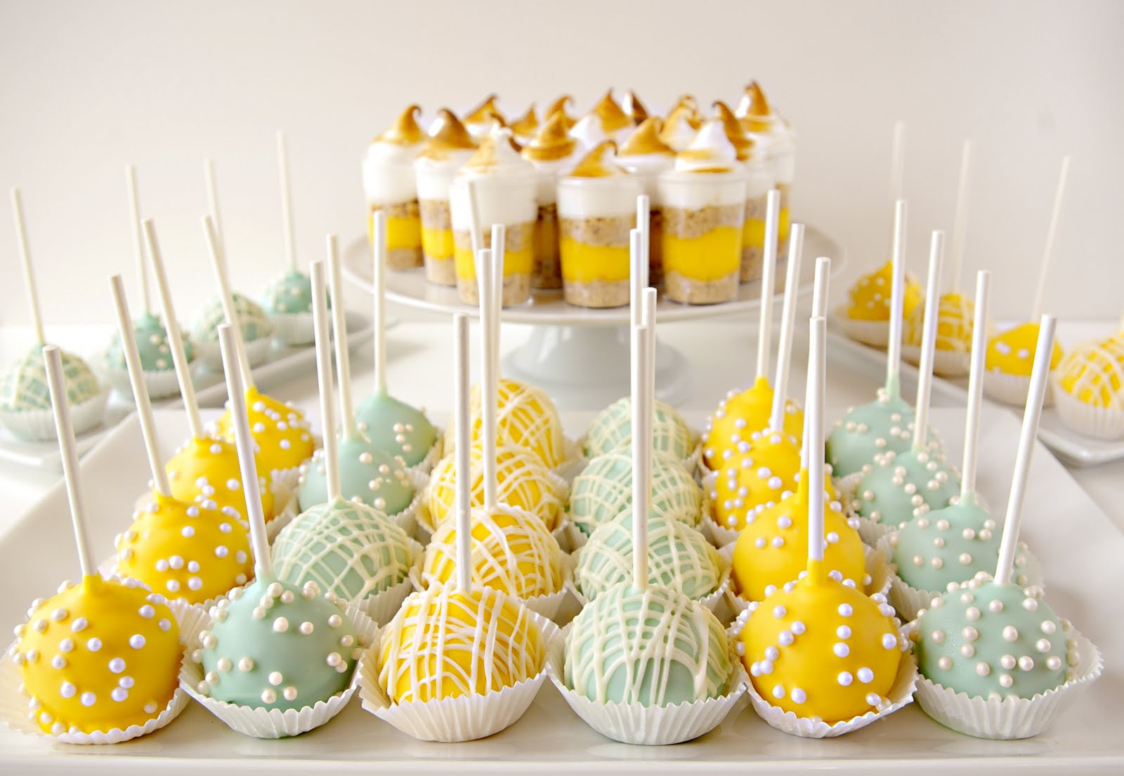 Lemon Cream Cheese Cake Pops