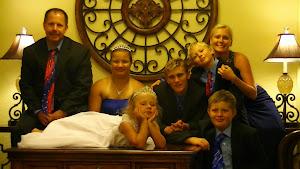 Colton's family minus Baby Eliza