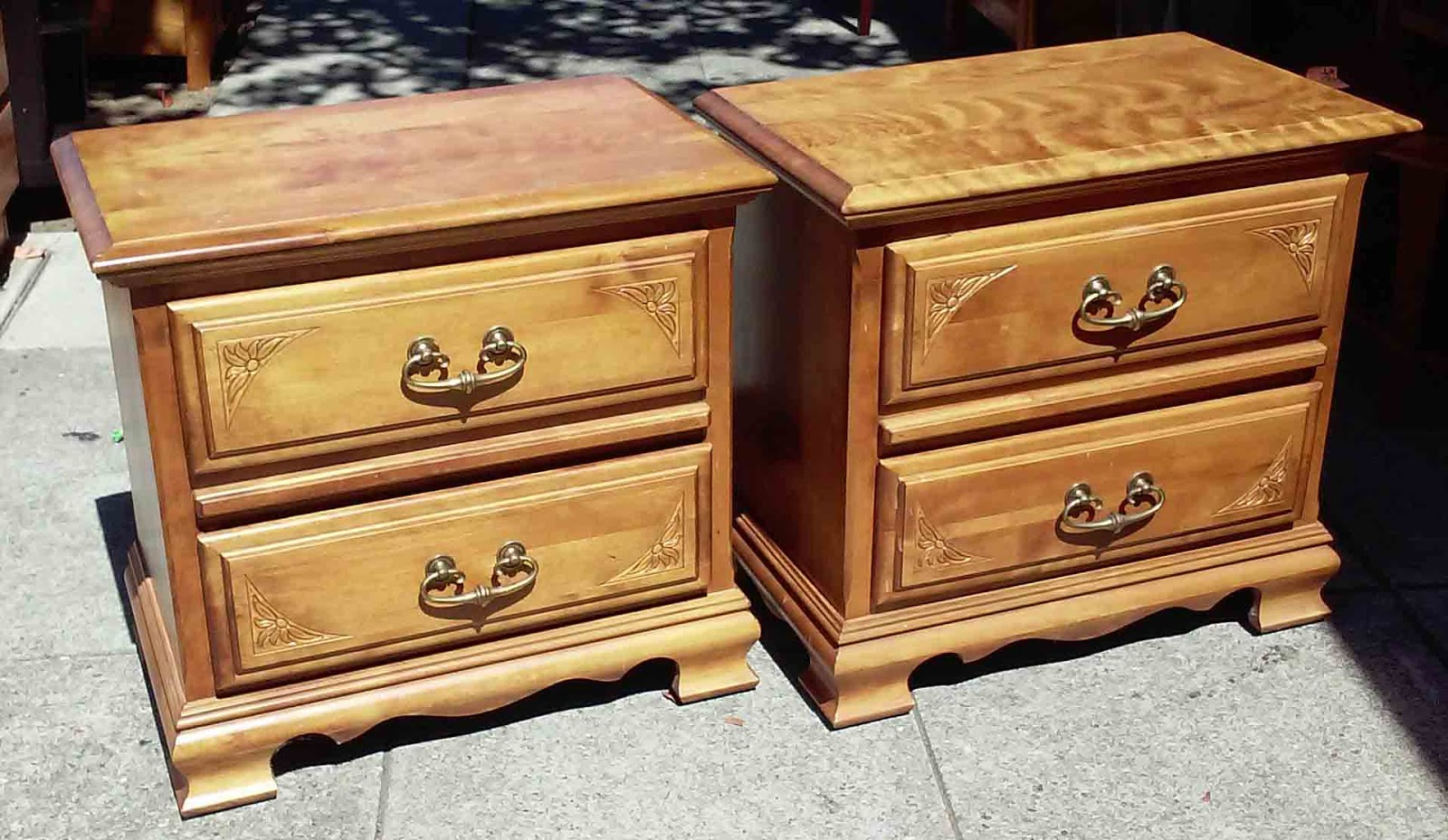 Delicieux SOLD Cal Shops Nightstands   $35 / Pair