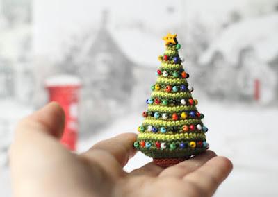 https://www.etsy.com/listing/167085893/christmas-tree-crocheted-christmas-tree?ref=teams_post
