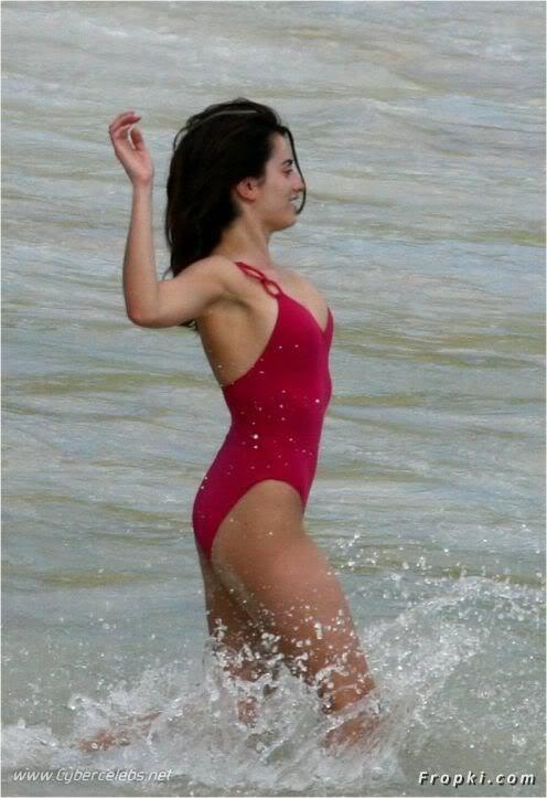Penelope Cruz and Javier Bardem Beach Lovin' | HOT PICS