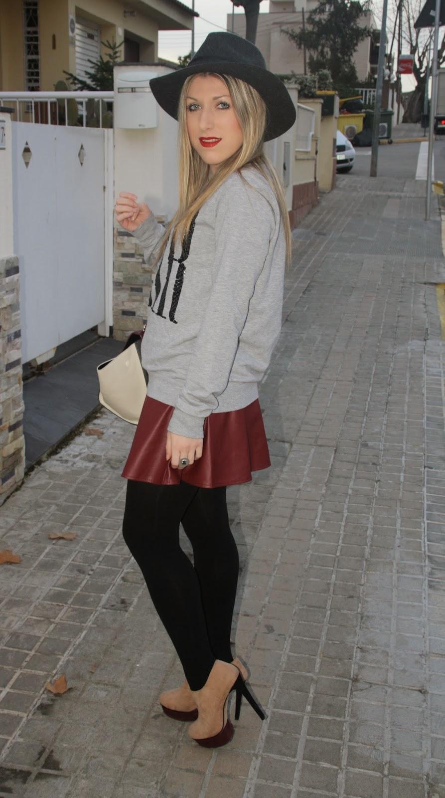 falda burgundy
