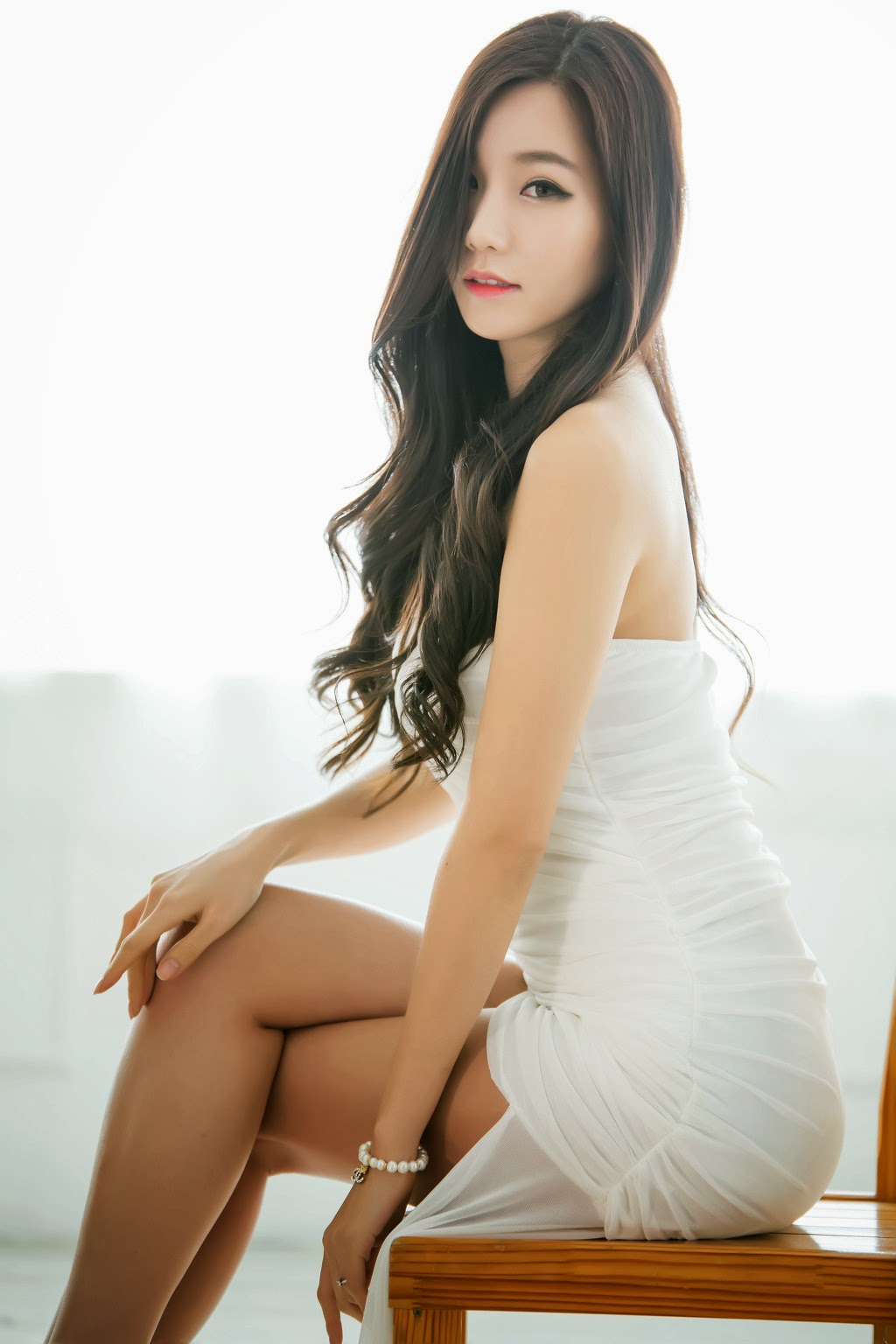 Lee Ji Min Angel in White
