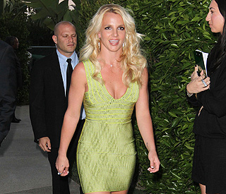 Britney Spears Goes Green to Host Fund-raising Event for Hurricane Katrina-affected Families