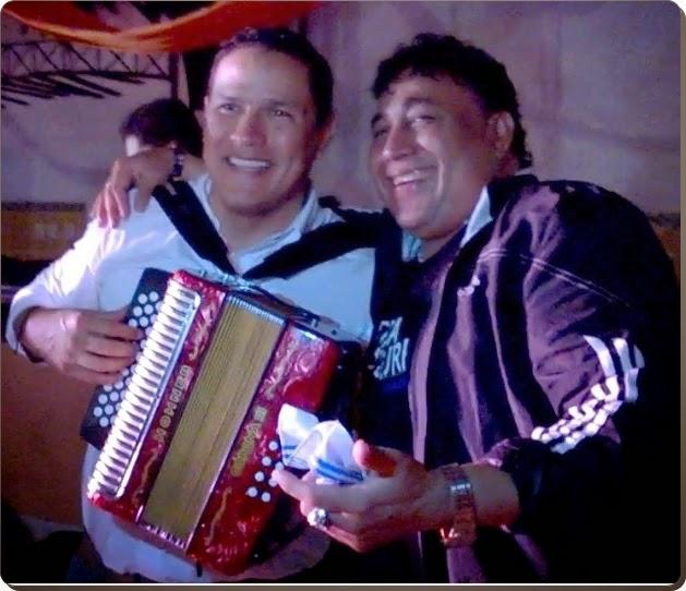 Video Música Cúcuta | Jorge Acevedo con el acordeón de Los Embajadores Vallenatos 'Oye mujer bonita'