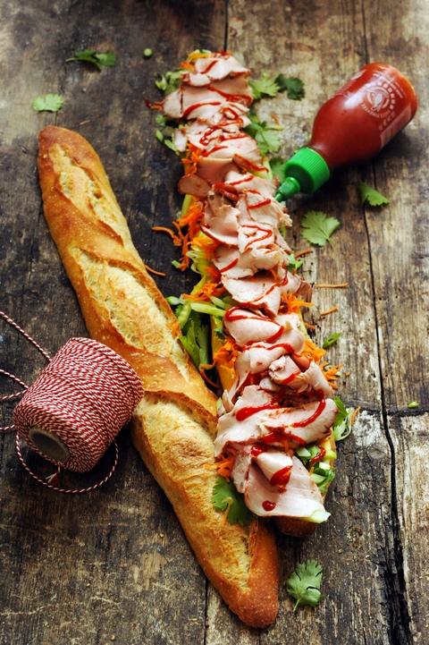 Le bánh mì, peut-être mon sandwich préféré ! 2e étape et le casse-croûte fut !