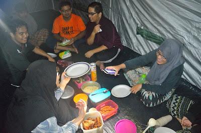 makan malam dinner dalam khemah bbq barbecue sanctuari ikan kelah sungai chiling